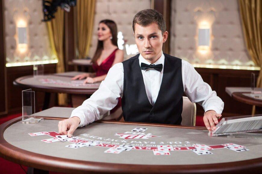 Live-Casino-Dealer-Online